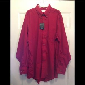 NWOT Men's Van Heusen Button Down Shirt